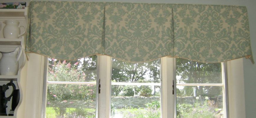 Kick Pleat Valance for Living Room